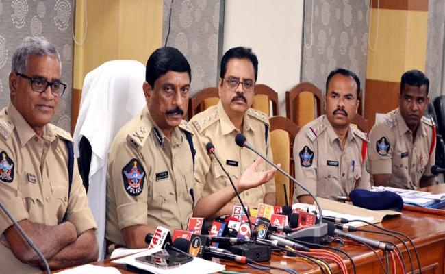 Police Revealed Army Officer Death Mystery In Visakhapatnam - Sakshi