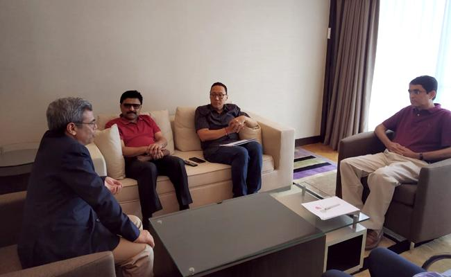 Buggana Rajendranath Met Indian High Commissioner In Singapore - Sakshi