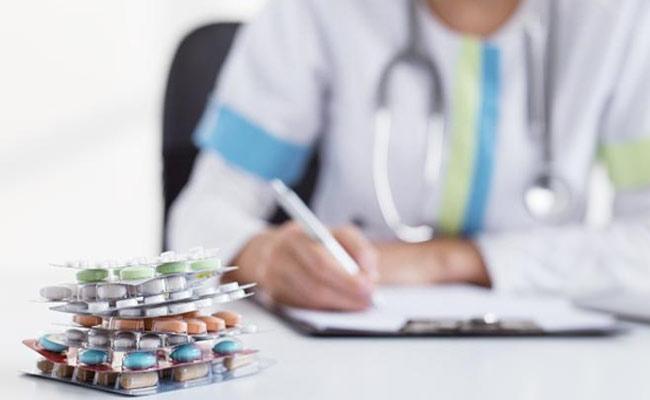 Doctors Not Write Generic Medicine In Prescriptions At Ongole - Sakshi