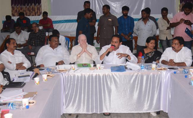 Deputy CMs Alla Nani And Pilli Subhash Talks Over Water Grid Project In Godavari Districts - Sakshi