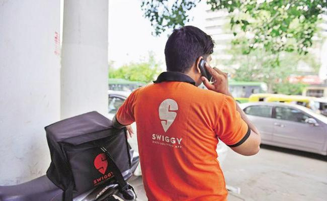 Cyber Criminals Cheat Women With Swiggy name in Bangalore - Sakshi