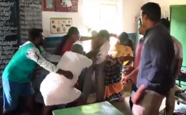 Teacher Having Sex In School In Tamilnadu Beaten - Sakshi