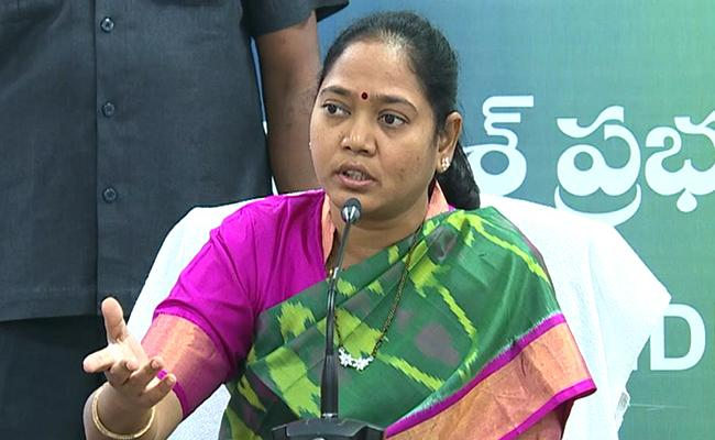 Home Minister Sucharita Fired About Incident Happened For Police Women - Sakshi