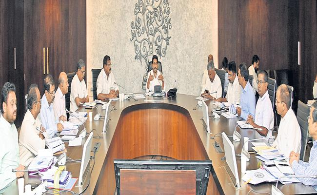 CM YS Jagan comments in High Level Review on Schools Development - Sakshi