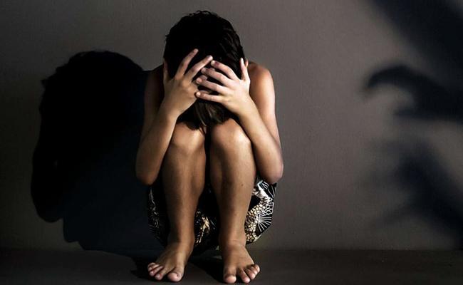 Man Molestation on Girl Child in Karnataka - Sakshi