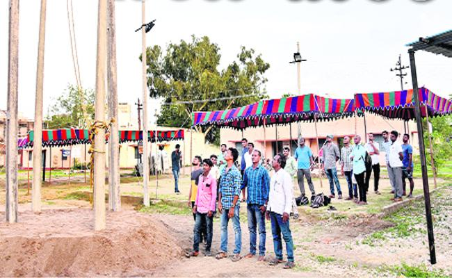 Fraud Done Regarding Junior Lineman Posts In Adilabad - Sakshi