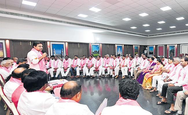 TRS Focus On Internal Disputes And Kadiyam And Naini Meets KTR - Sakshi