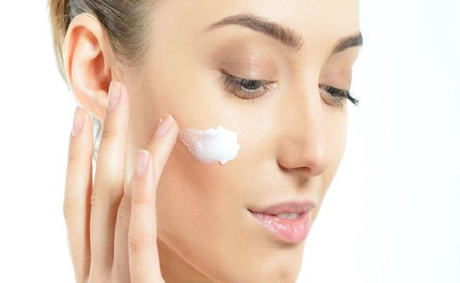 Woman Is Hospitalized After Using Facial Cream In California - Sakshi