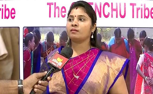 Deputy CM Pushpa Sreevani Fire On Nannapaneni Rajakumari - Sakshi