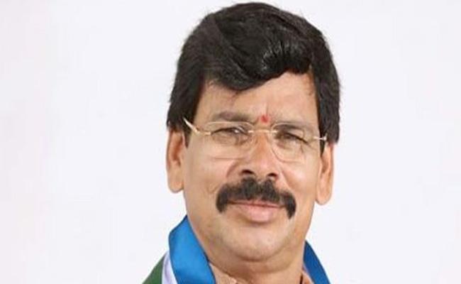 Kapu Ramachandra Reddy Fires On TDP Leader Kalava Srinivasulu - Sakshi