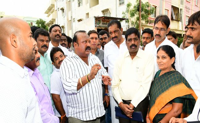 Tension Rises In Political Parties At Karimnagar  - Sakshi