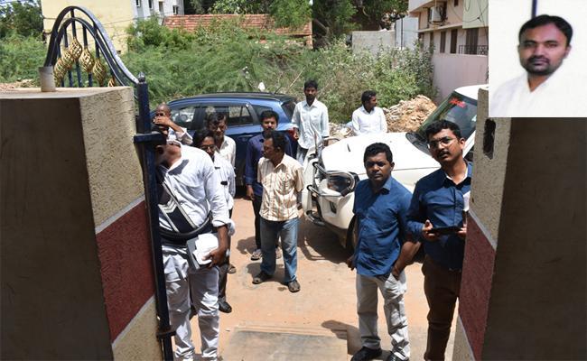 Fake Doctor Running Hospital In Kavali At Nellore - Sakshi