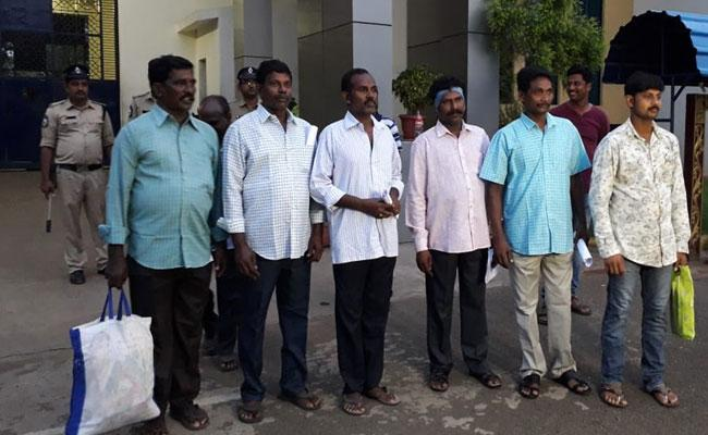 12 People Released From The Rajamundry Central Jail - Sakshi