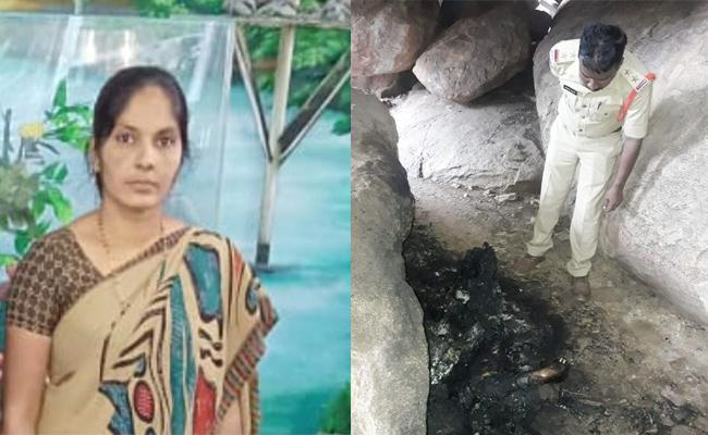 Women Deadbody Found in Hills Prakasam - Sakshi