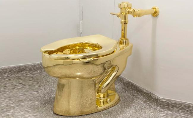 Gold Toilet At Blenheim Palace In London Theft After It Plumbled - Sakshi