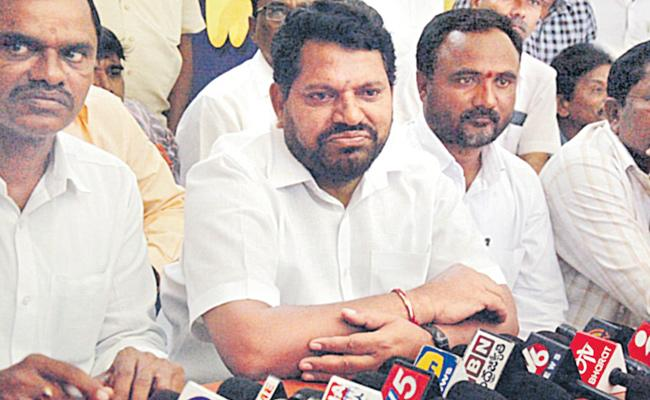 TBGKS Working President Kengarla Mallaiah Resigns - Sakshi