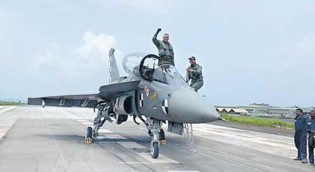 Naval Tejas Clears Critical Test Before Landing On Aircraft Carrier - Sakshi
