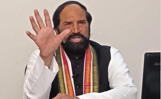 Uttam Kumar Reddy Slams TRS Over Manifesto Promises - Sakshi