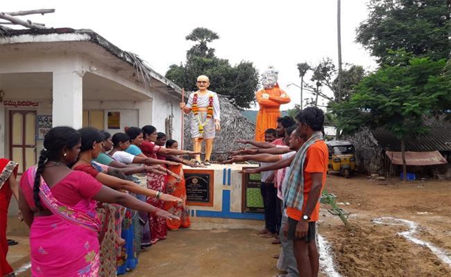 Villages Doing Prohibiation Of Alcohol With CM Jagan Inspiration - Sakshi