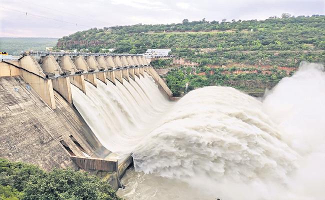 Increased flooding of Krishna and Godavari Rivers - Sakshi