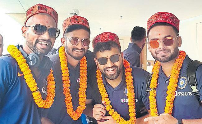 Indian Cricket Team Arrives In Dharamsala Ahead Of 1st T20 Against South Africa - Sakshi