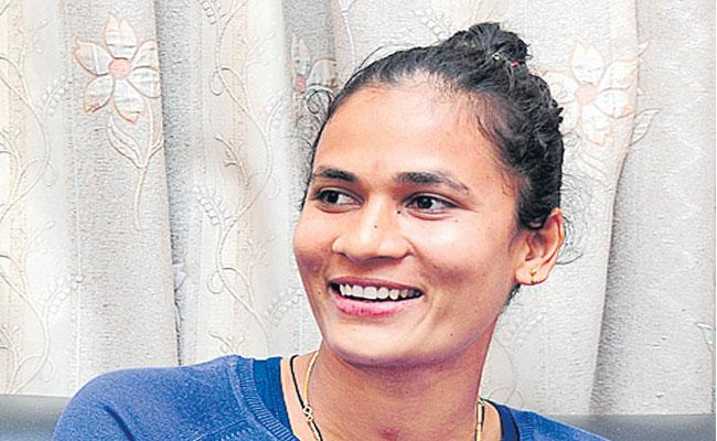 Rani Rampal To Captain Indian Womens Hockey Team In Tour of England - Sakshi