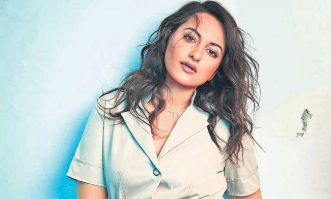 sonakshi sinha 9 years completed in bollywood film industry - Sakshi