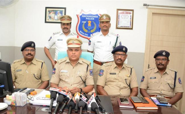 Rachakonda Police Commissionarate Implemented New Idea For Traffic Challans - Sakshi