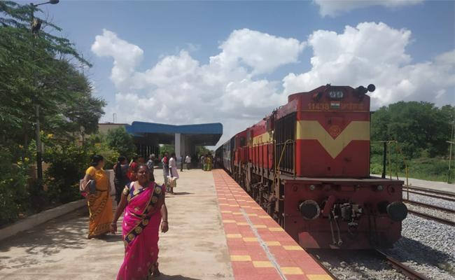 Kurabalakota Railwaystation Is Famous For Seetamalakshmi Movie - Sakshi