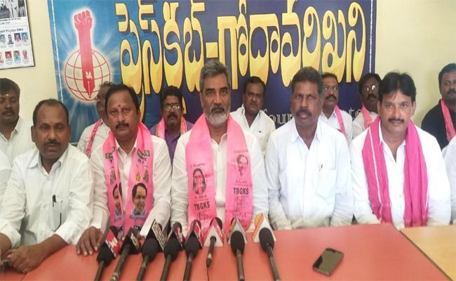 Miryala Raji Reddy Comments on Kengarla Mallayya Resignation - Sakshi