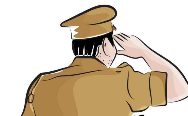 Fake Police Hulchal In Tekkali - Sakshi
