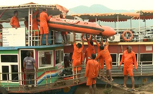 APSDMA Report On Boat Accident In Godavari Situation - Sakshi