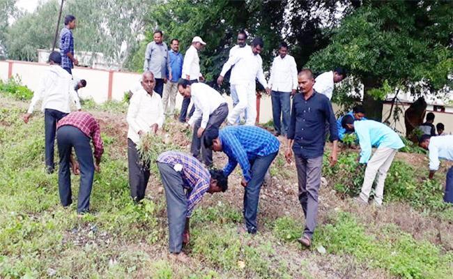 Mana Badi Mana Gudi Programme Held In Gurukul School At Adilabad - Sakshi