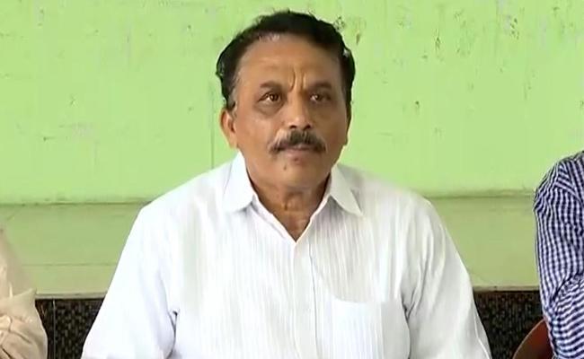 Jana Chaitanya Vedika President Lakshman Reddy Comments On Pawan Kalyan - Sakshi