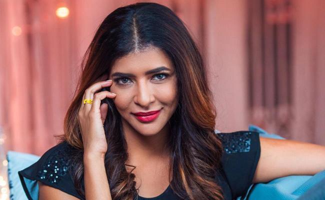 Manchu Lakshmi To Host Feet Up With Stars Telugu Version - Sakshi