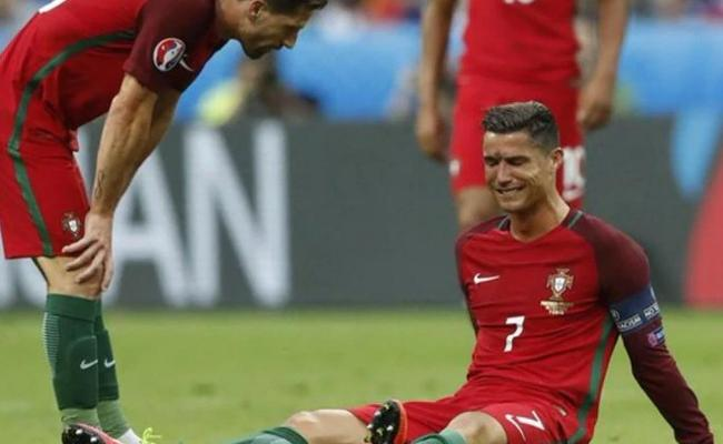 Ronaldo Breaks Down In Tears During Emotional Interview - Sakshi