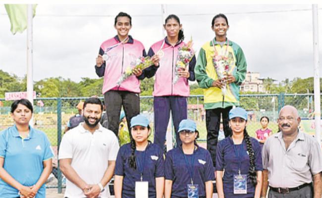 Maheswari Won Steeplechase Title - Sakshi