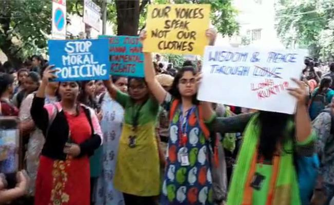 Students of St. Francis College in Begumpeta Took Up The Agitation Dress Code - Sakshi