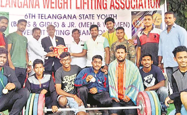 Telangana Weight Lifters Shine in Weight Lifting Championship - Sakshi