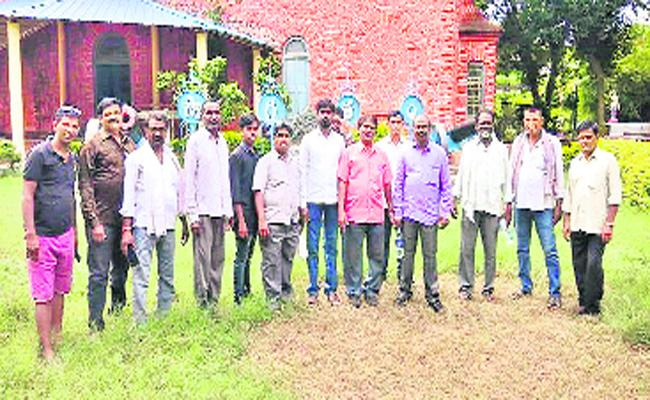 Warangal People Died In Godavari Boat Accident - Sakshi