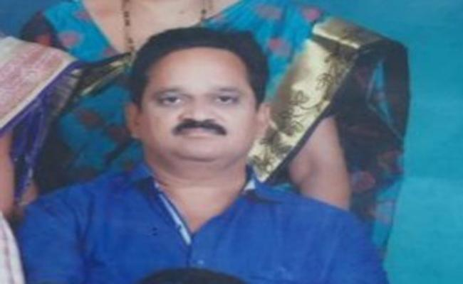 Head Master Brutally Murdered In Kakinada - Sakshi