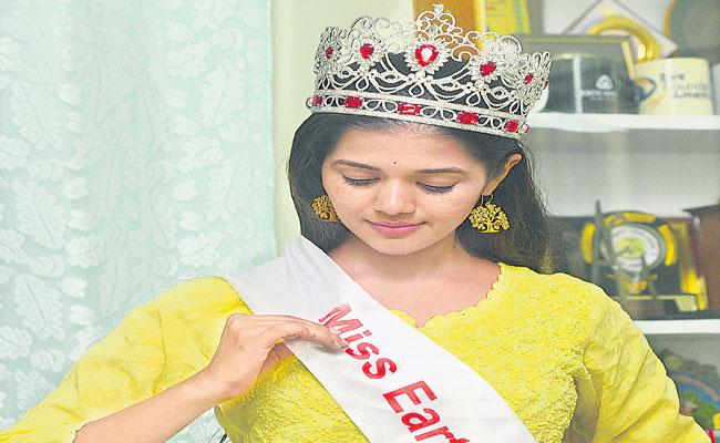 Tejaswini Completes All Stages of The Miss Earth India Contest - Sakshi
