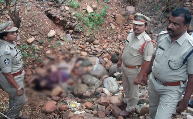 Married Woman Suspicious Death in YSR Kadapa - Sakshi