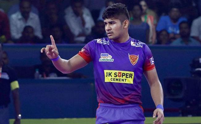 Dabang Delhi Beat Gujarat Fortunegiants  - Sakshi
