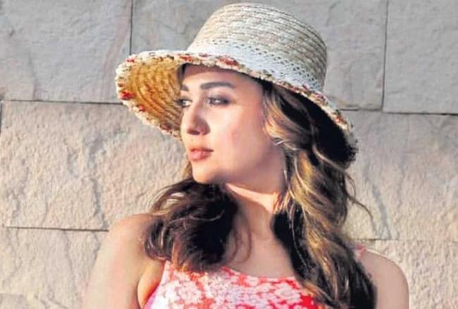 Nayanthara new movie Netrikann first look Poster launch - Sakshi