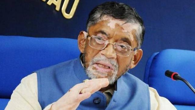 Santosh Gangwar Clarifies Over North Indians Remark - Sakshi
