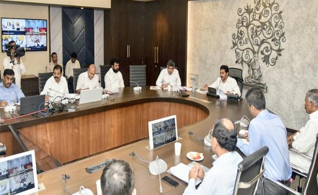 CM YS Jagan Hold Review Meeting On Spandana Program - Sakshi