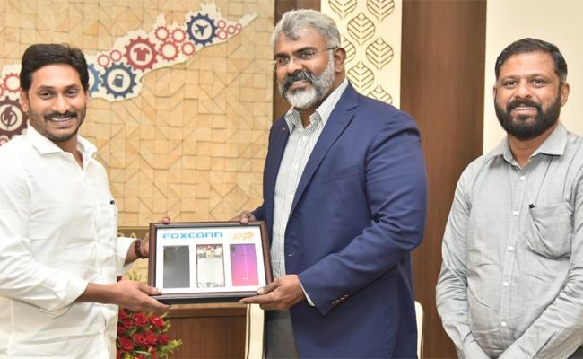 Foxconn India MD Josh Foulger Met AP CM YS Jagan At Secretariat - Sakshi