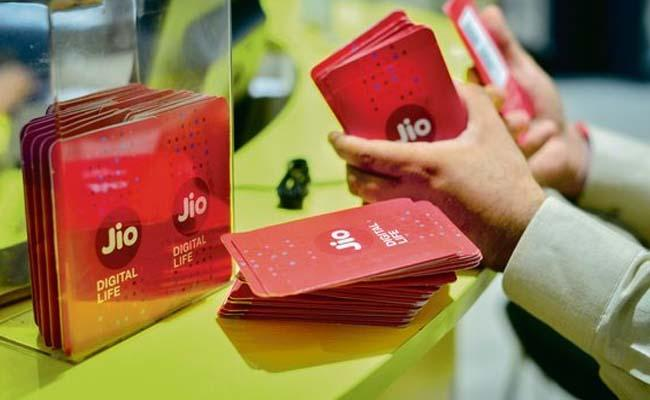 Reliance Jio tops 4G download speed in August TRAI - Sakshi