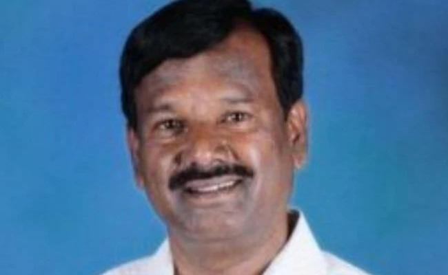 Dalit MP Denied Entry In Golla Village In Karnataka - Sakshi